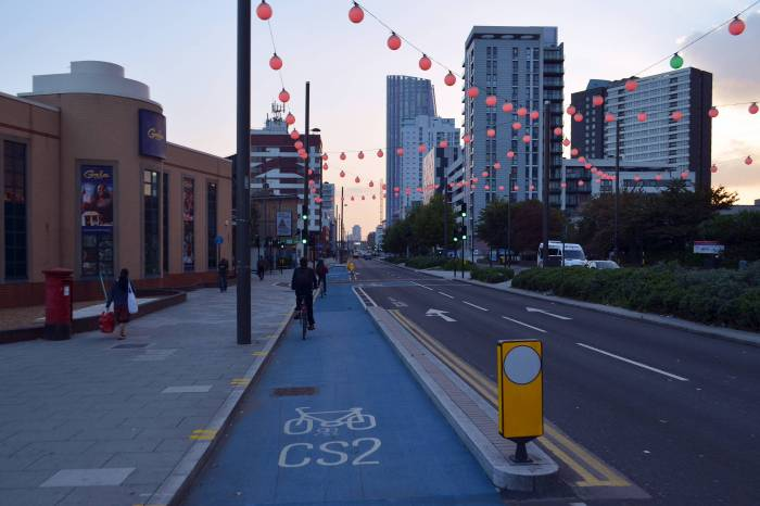 cmglee_london_cycle_superhighway_2_at_gala_bingo